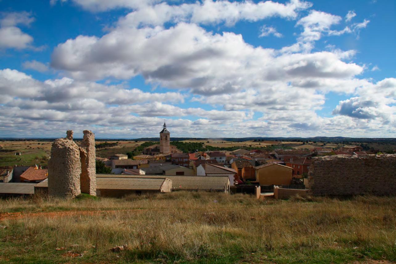 Fuentelencina con Torreon y Murallas